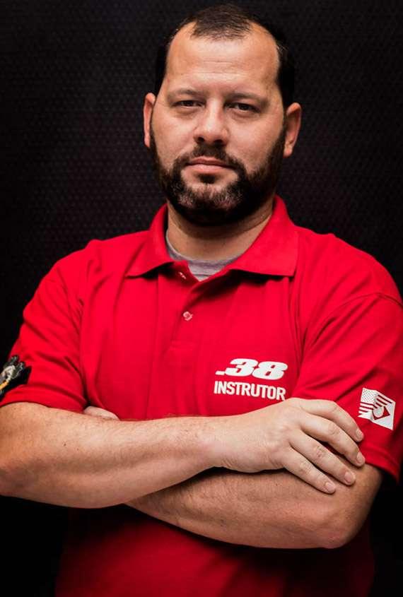 Instrutor Carlos Donato
