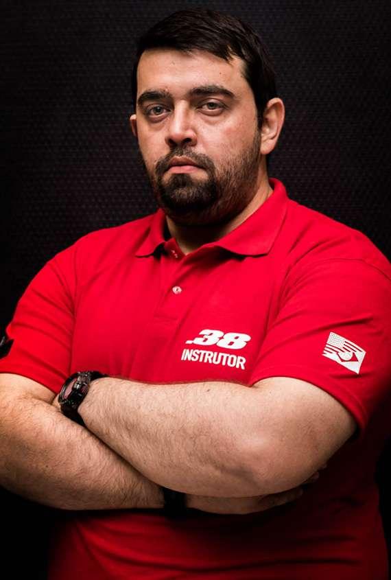 Instrutor Roberto Rolim